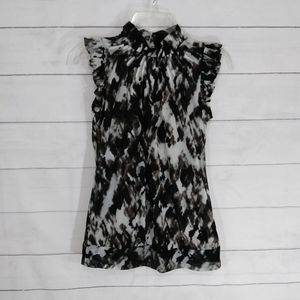 The Limited sleeveless career style top size small